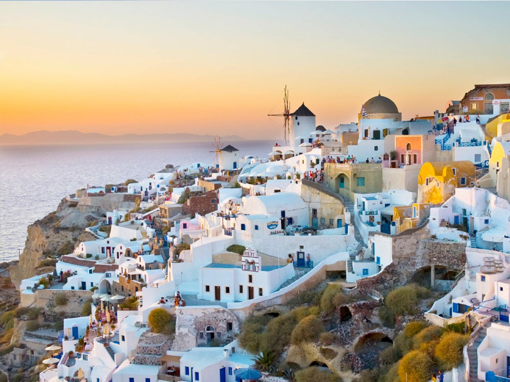 Santorini 6 Hours Sightseeing Mini Bus Tour